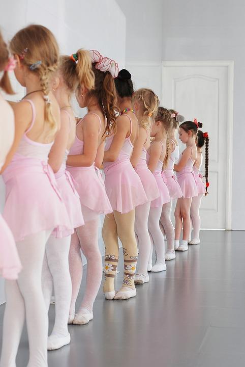 copii la socala de balet